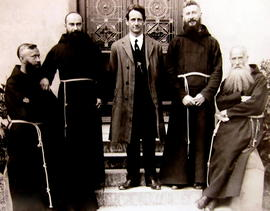 Photograph of Terence MacSwiney and Capuchin Friars at Rochestown